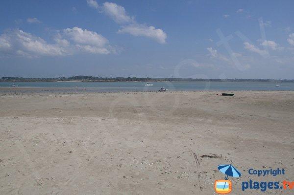 Beach of Pissotte at low tide - St Jacut