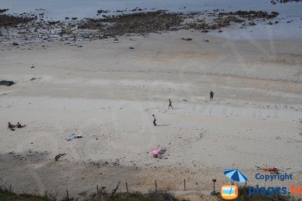 Plage de sable à St Jean du Doigt