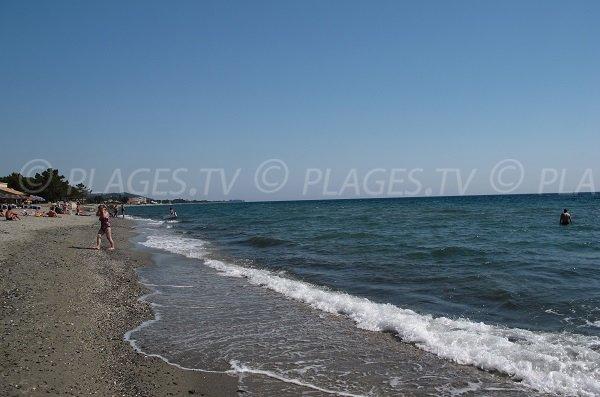 Photo de la plage de Poggiole en direction de Moriani en Corse