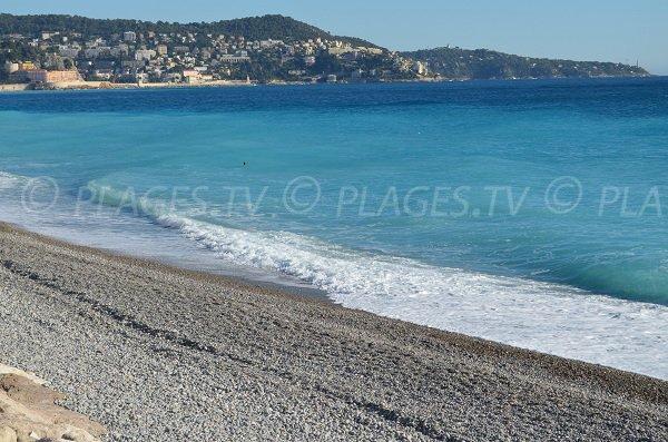 La baie de Nice depuis la plage Poincaré