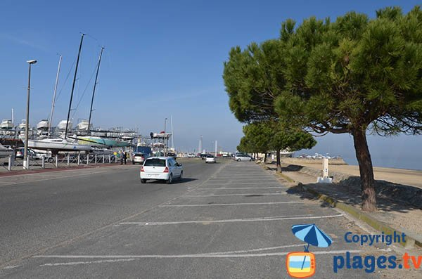 Parking de la plage de la pointe de l'Aiguillon à Arcachon