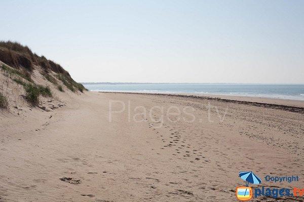 Nudist beach in St Germain sur Ay