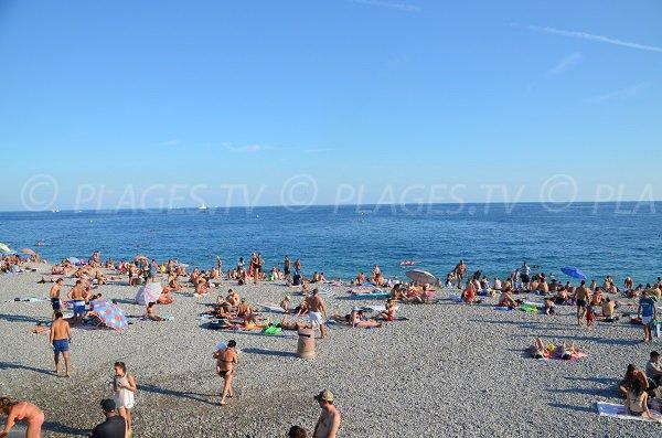 Photo de la plage de la Ponchette de Nice en été