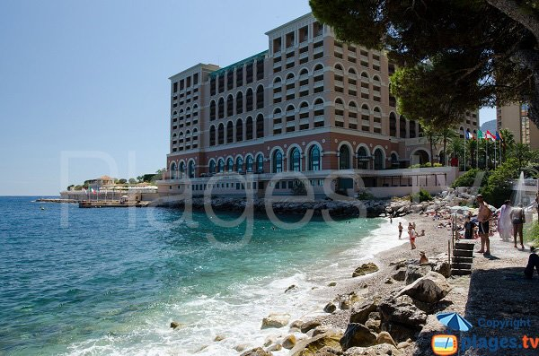 Pont de Fer beach in Monaco