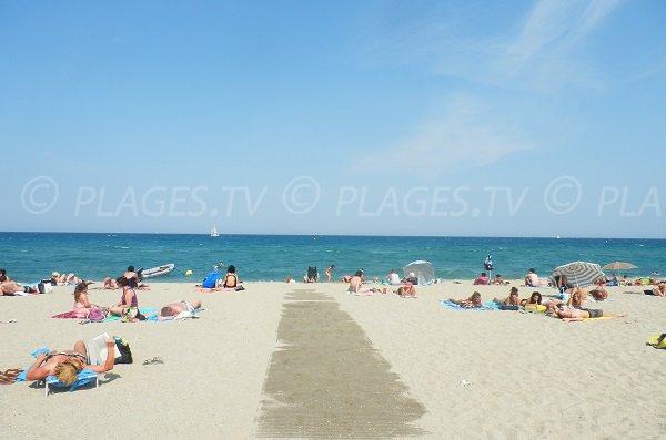 Handicap accessible beach in Saint-Cyprien