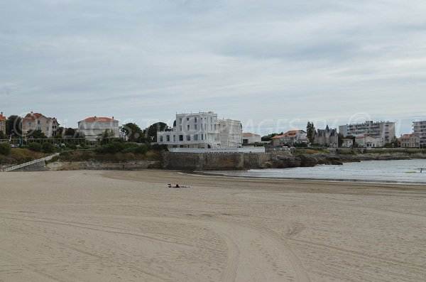Photo of Pontaillac beach in Royan in France