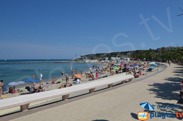 Photo de la plage du Ponteil à Antibes