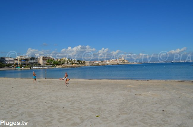 Ponteil beach in Antibes and the old city