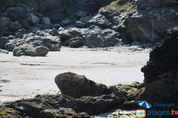 Rocks in Porh Ized cove in Sauzon