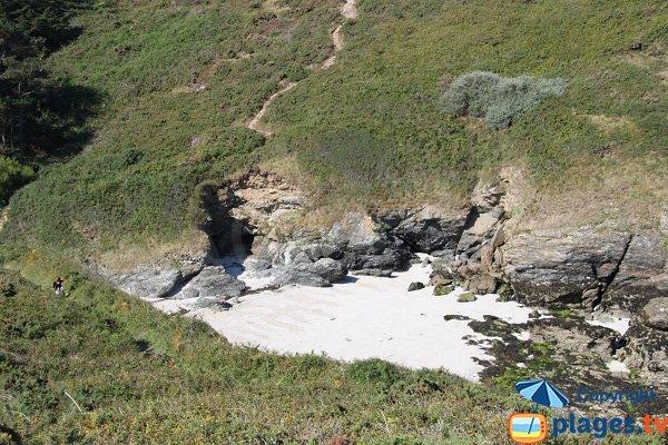 Access to Porh Kerzo cove in Belle Ile en Mer in France