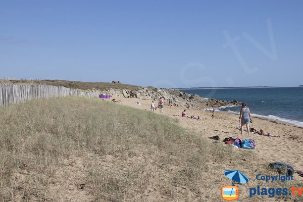 Porh Lineneu beach in Erdeven and view on  Quiberon