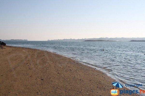 Photo de la plage de Pors Doun à marée haute - St Pol