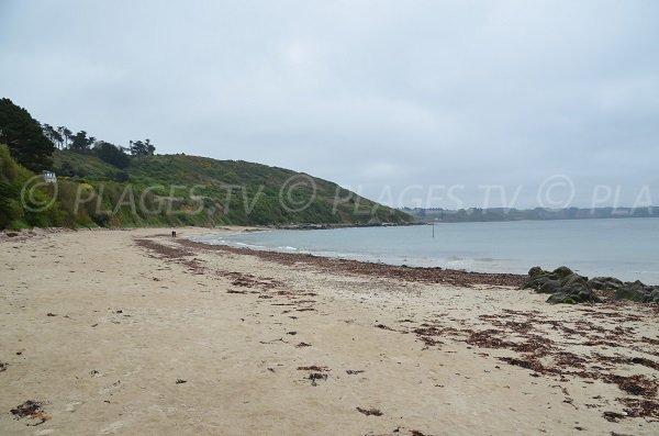 Partie gauche de la plage de Pors Mabo à Trébeurden