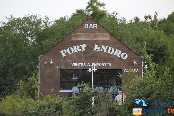 Restaurant on Port An Dro beach in Belle Ile en Mer