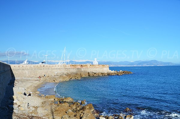Port beach in Antibes and view on Nice
