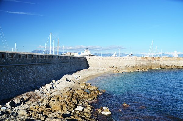 Photo of the port beach in Antibes - France