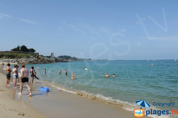 Tour Blanche from the Port Blanc beach in Dinard