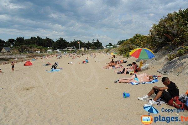 Port Blanc beach in Dinard in summer