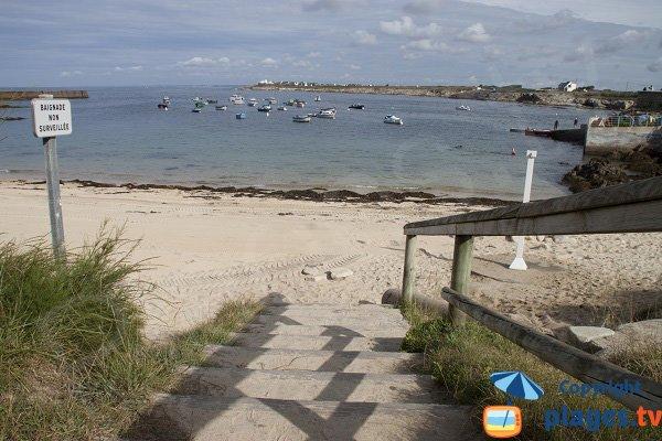 Access to Port-Blanc beach in Ploemeur