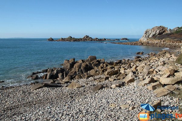 Rochers sur la plage de Port Blanc - Plougasnou