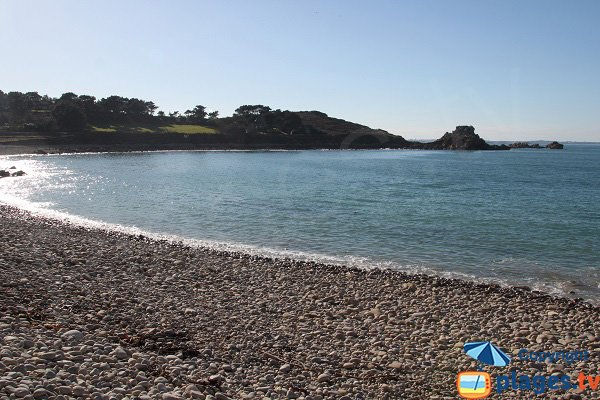 Plage de galets à Port Blanc - Plougasnou