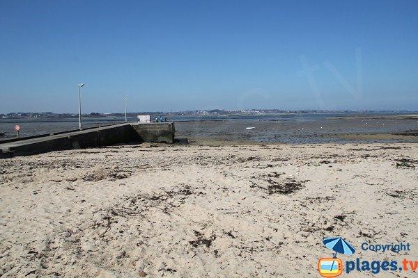Digue sur la plage du Port de Carantec