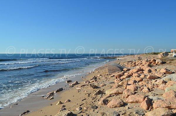 Spiaggia dopo il porto di Carro Martigues - Francia