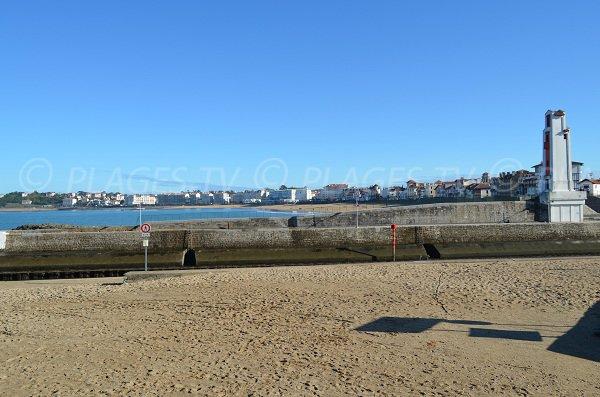 Spiaggia del porto di Ciboure e St Jean de Luz