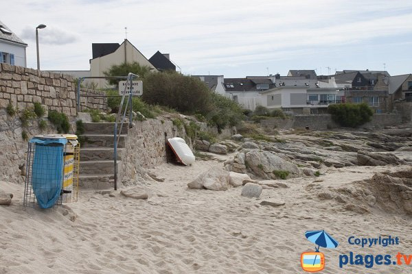 Access to Port Fontaine beach by stairs - Ploemeur