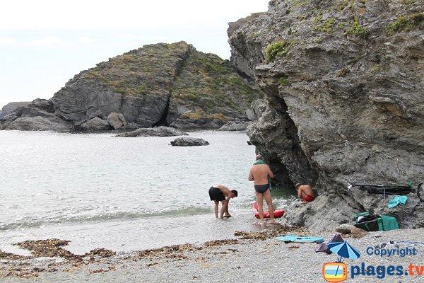 Cliffs of Porh Gwenn beach in Belle Ile