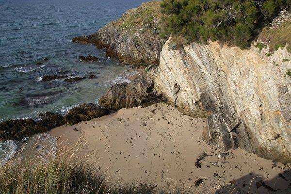 Rochers autour des criques de Port Huelen à Belle Ile