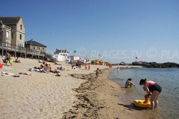 Baignade sur la plage du Croisic - Port Lin