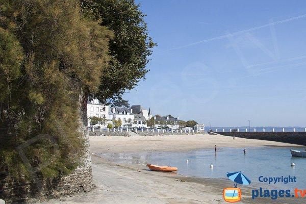 Vue générale de la plage dans le port de Locquirec - Bretagne
