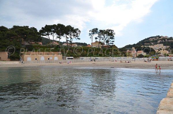 Plage de la Madrague à St Cyr sur Mer
