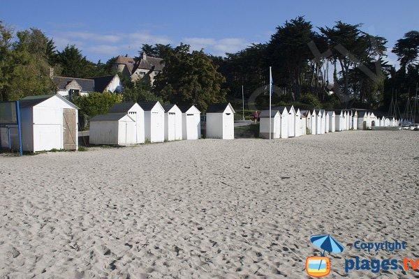 Cabines de bains sur la plage de Port Manec'h - Saint Nicolas
