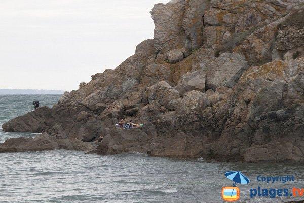 Falaises de la plage de Port Morvan