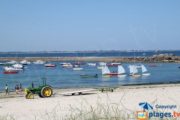 Partie gauche de la plage du Port de Plouescat
