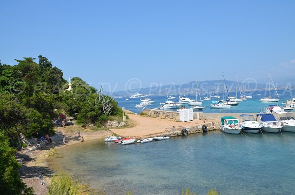Photo de la plage du Port de St Honorat