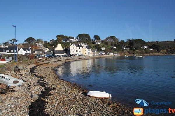 Plage du port de t r nez plougasnou 29 finist re - Restaurant l huitre y est port des barques ...