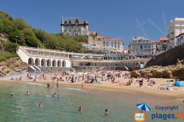 Plage de Port Vieux à Biarritz en été