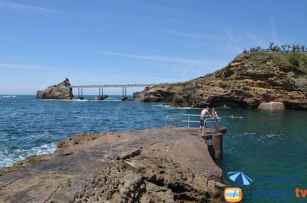 Plongeoir sur la plage de Port-Vieux - Biarritz