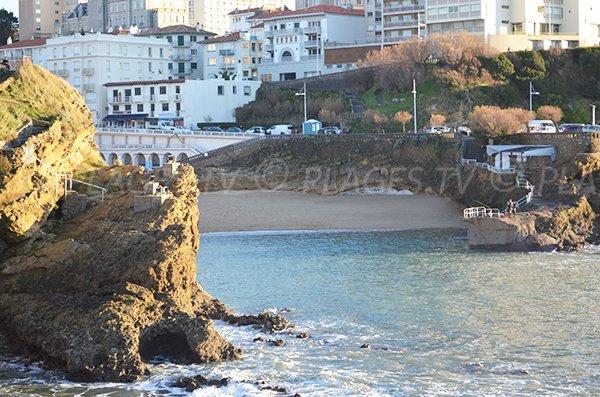 Vue de la plage de Port Vieux depuis le rocher de la Vierge