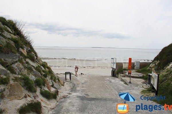Route d'accès à la plage du centre ville du Conquet