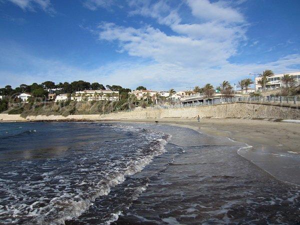 Sand beach in Sanary sur Mer - Bay of Portissol