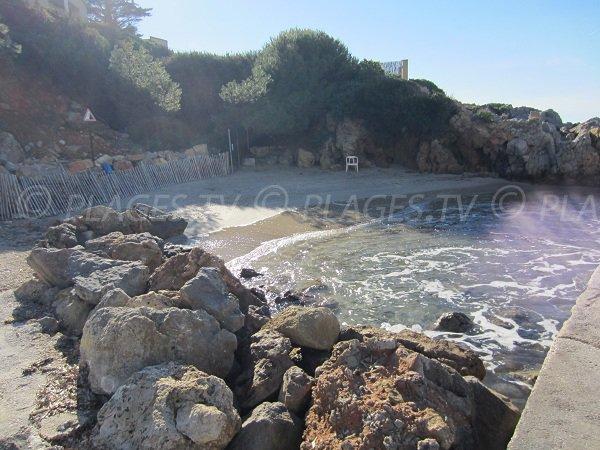 Small cove in Sanary - Bay of Portissol