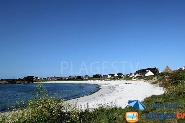 Belle plage à Ploudalmézeau - Portsall