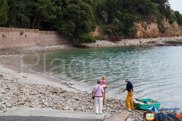 Photo of the Porz-ar-Goret creek in Perros Guirec in France
