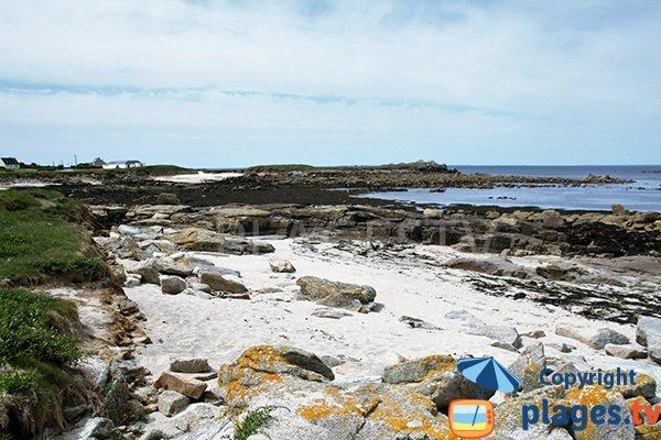 Petites criques à côté de la plage de Porz ar Marc'h à Lampaul-Plouarzel - Bretagne