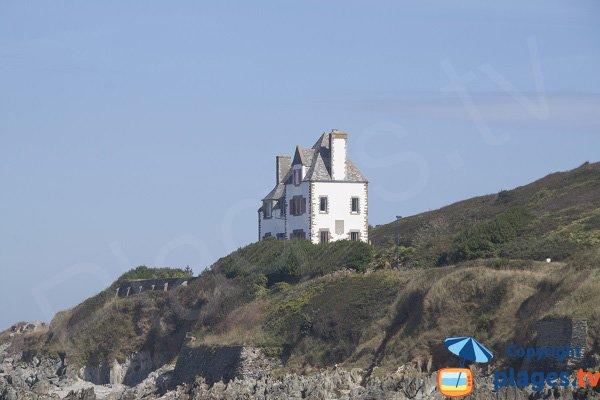Maison au bord de la plage de Porz ar Villiec