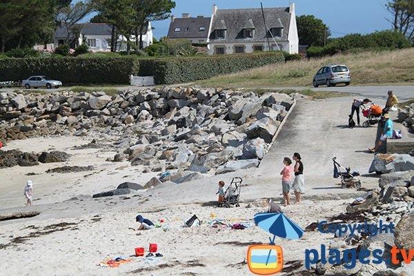 Cale sur la plage de Porz Grac'h à Plouguerneau